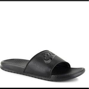 Nike men's slide